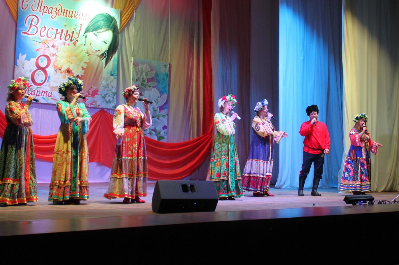 «Самый женский день» сЛДПР завершился концертами в Брянске