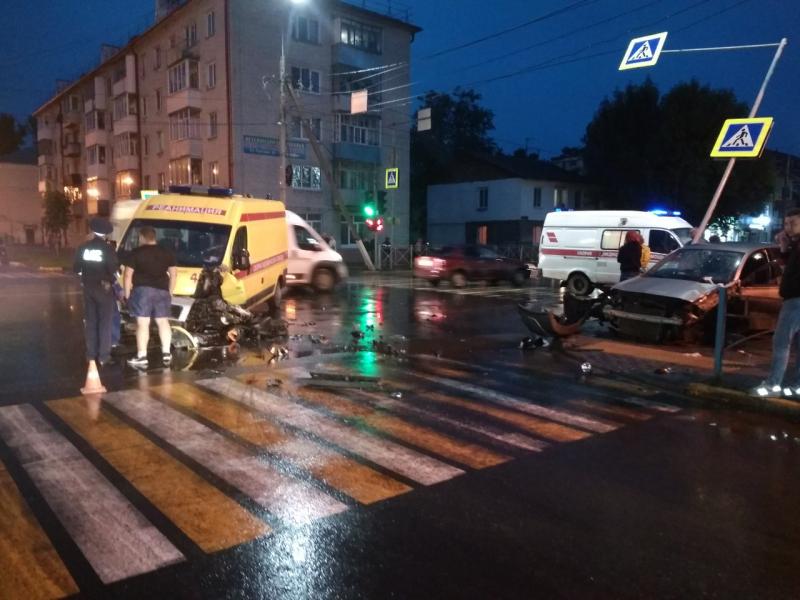 Три человека пострадали в жутком ДТП в Брянске