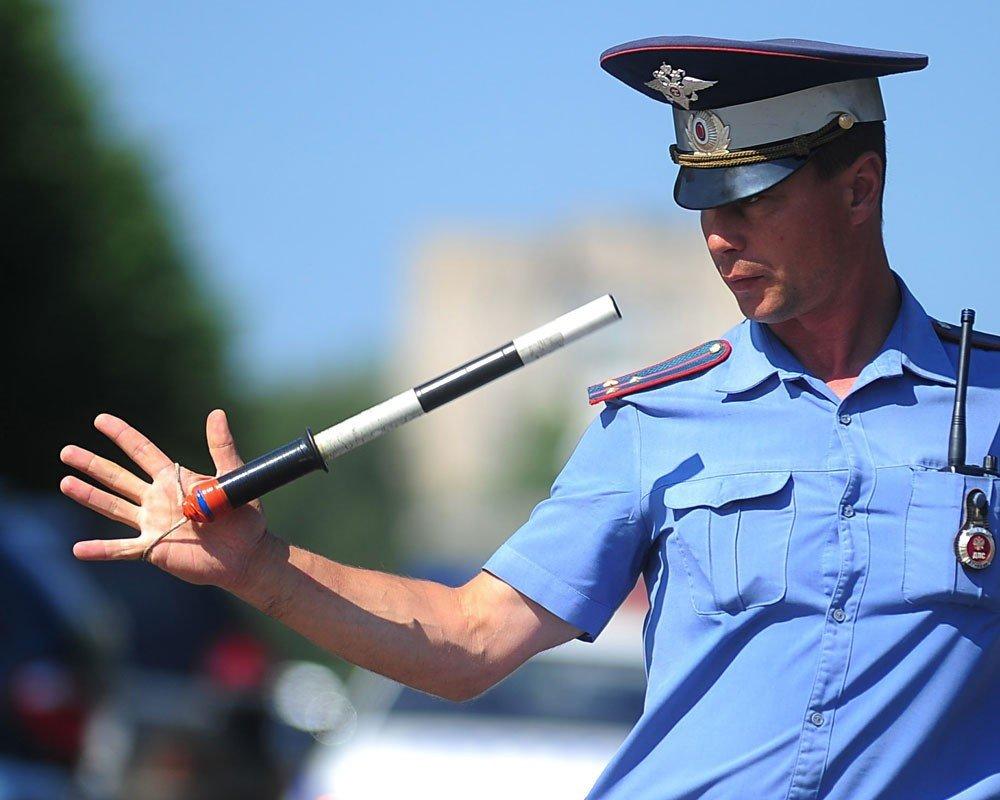 В Брянске пьяный автомобилист пытался подкупить гаишников