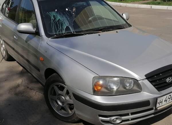 В Брянске обстреливают автомобили куриными яйцами