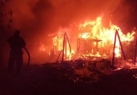 В брянском поселке произошел крупный пожар