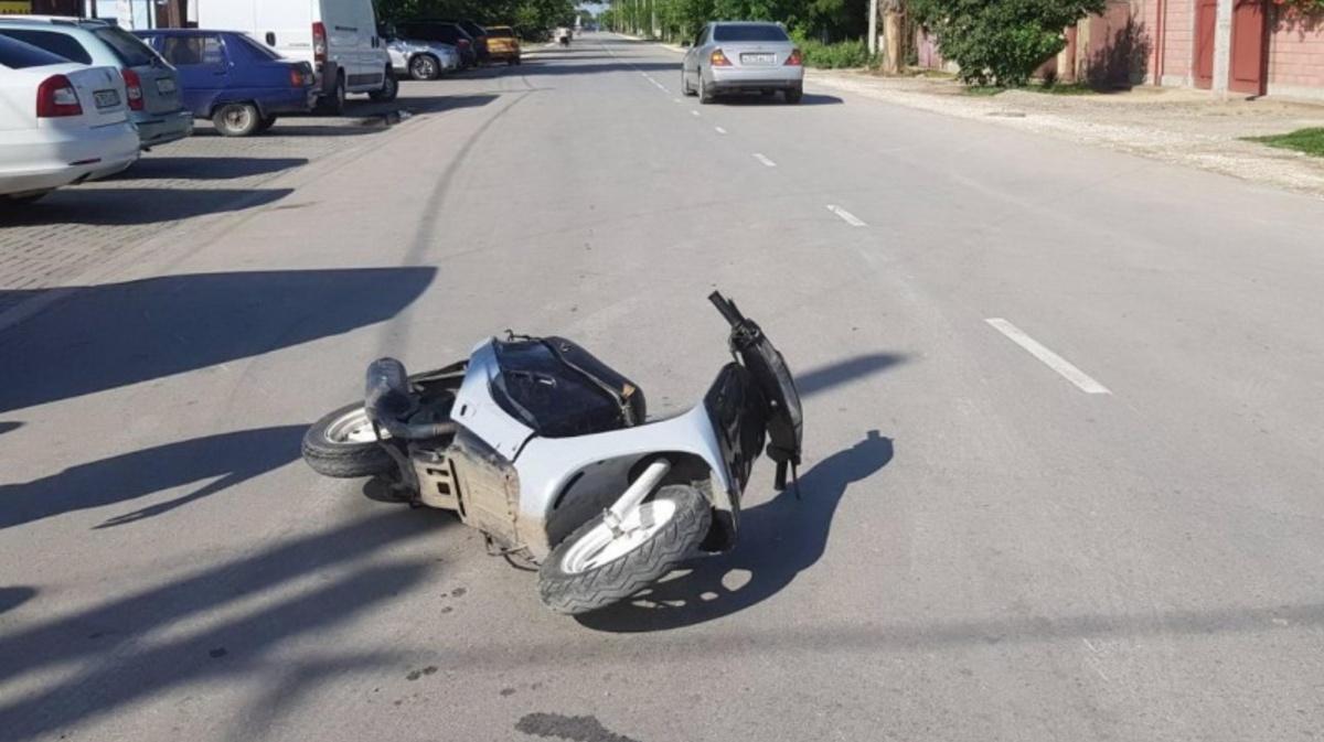 В Бежицком районе Брянска автоледи наехала на 70-летнего мопедиста