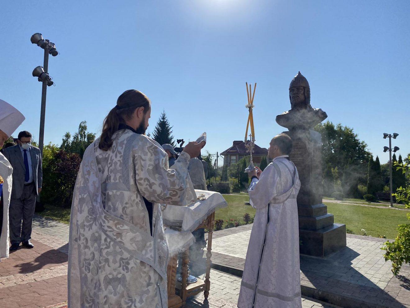 ВБрянскомкафедральномсоборе во имя Святой Троицы освятили бюст Александра Невского