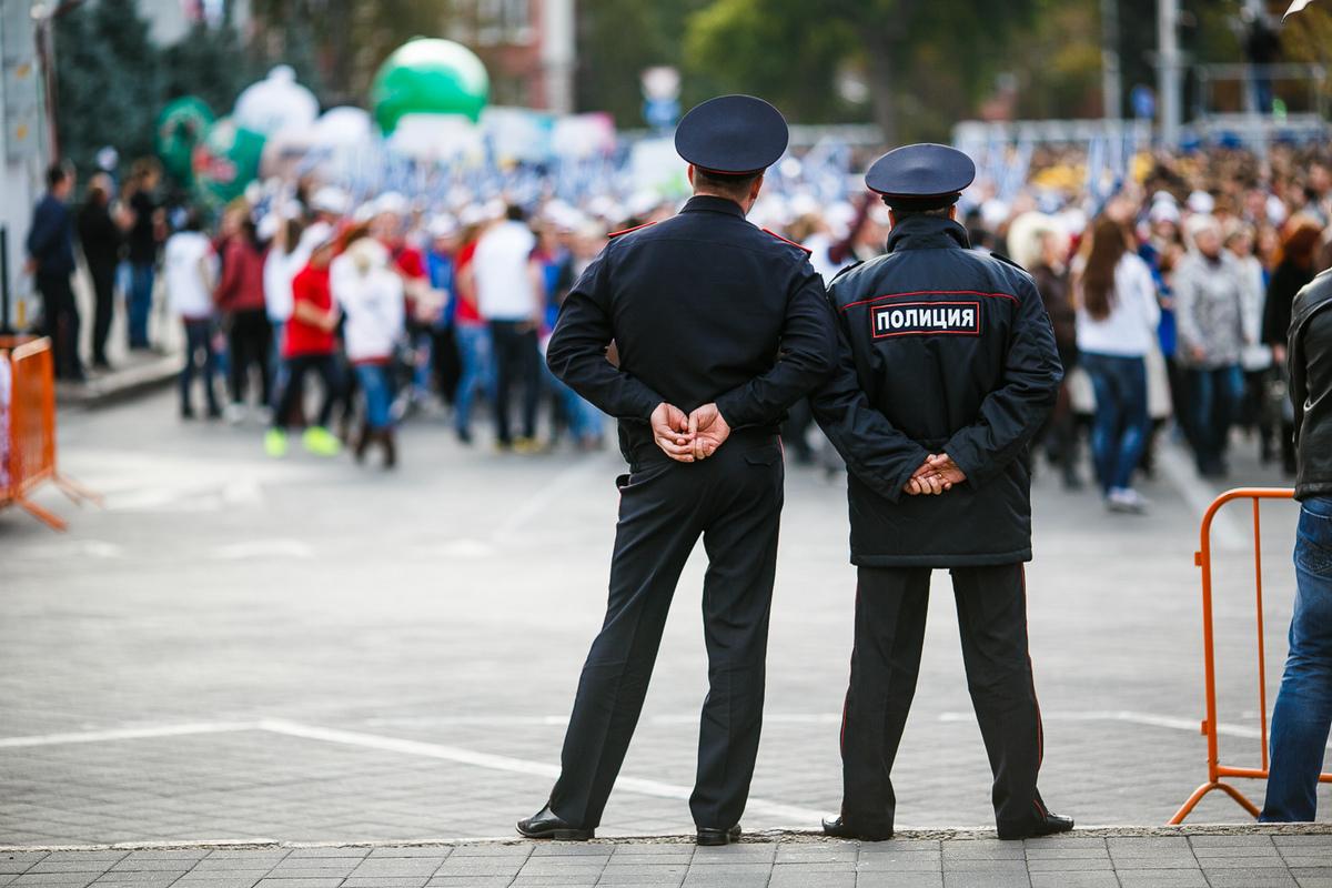Брянские полицейские нагрянули с проверками к рецидивистам