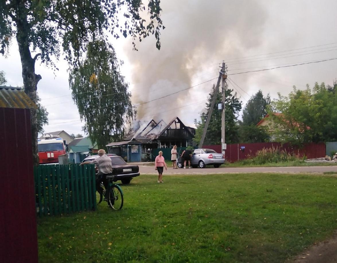 В поселке Радица-Крыловка Бежицкого района сгорел нежилой дом