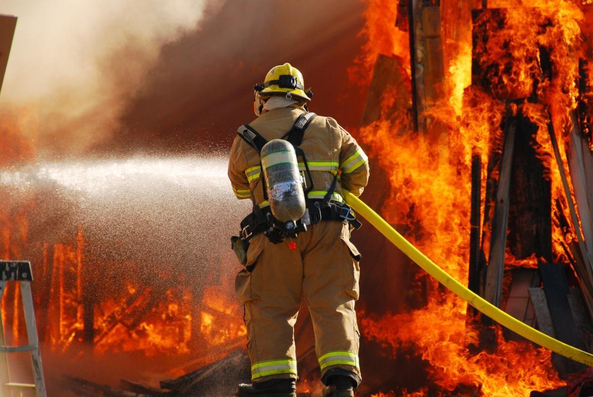 В Брянской области за сутки случилось 9 пожаров
