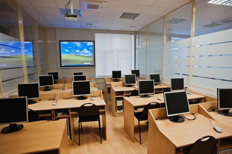 На цифровое обновление школ Жуковского района выделено 250 тысяч рублей