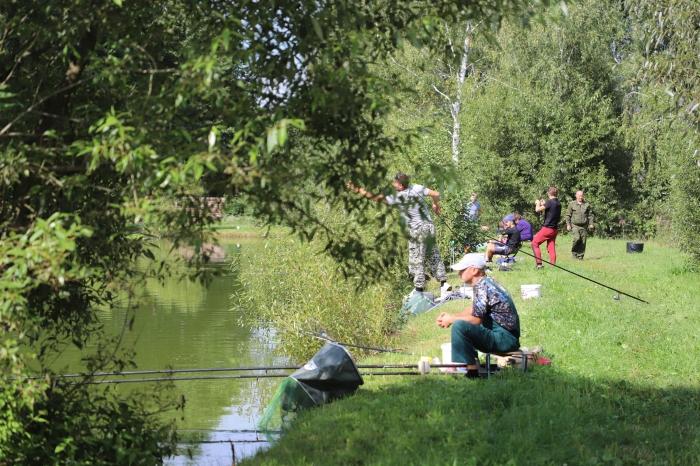 В Клинцовском районе на базе отдыха прошел турнир по рыбной ловле