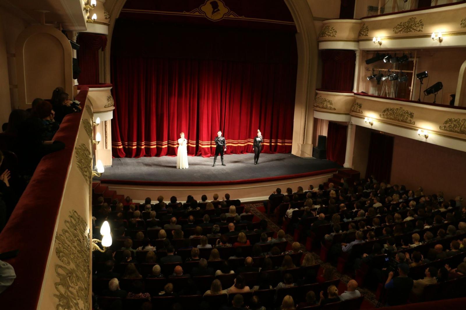 Директор Брянского драмтеатра рассказал о планах на предстоящий сезон