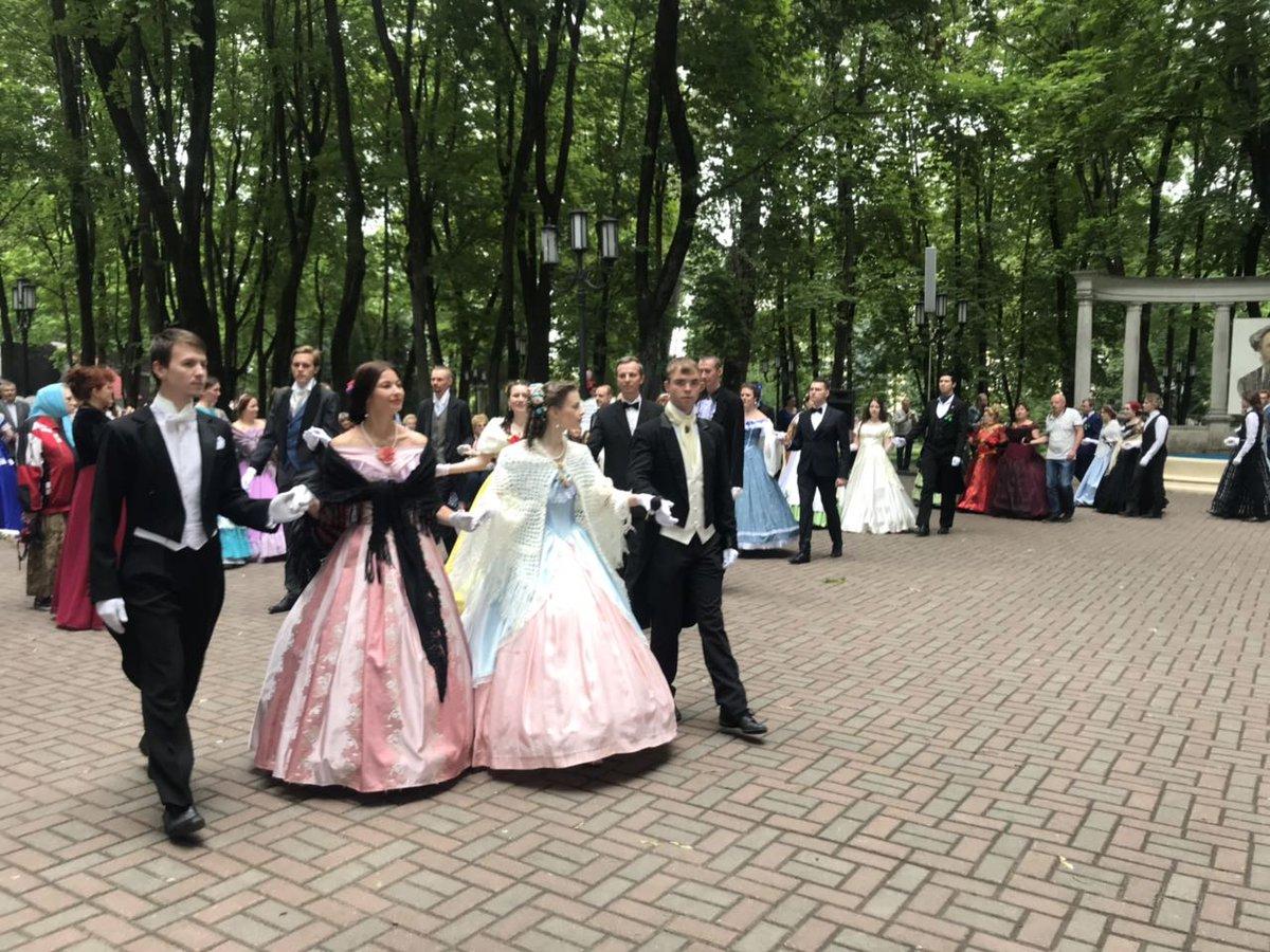В Брянской области в субботу состоится День поэзии и толстовский бал