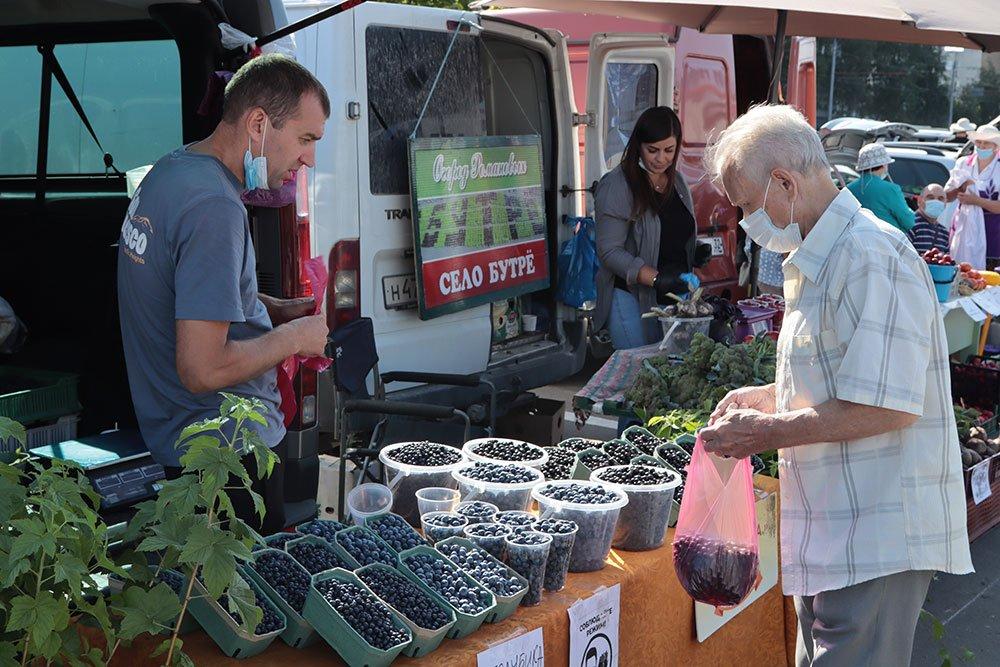 Брянцы приобрели на ярмарке выходного дня 33,2 тонны овощей и фруктов