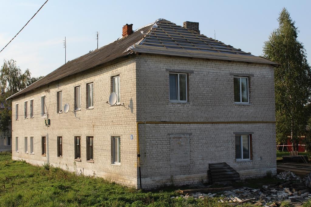 В Почепском районе потребовали признать аварийными пять многоквартирных домов