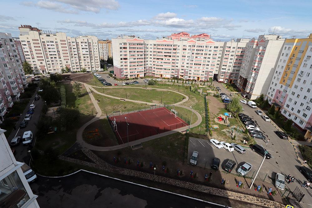 В Брянске открыли сквер имени 75-летия образования регионального управления МВД
