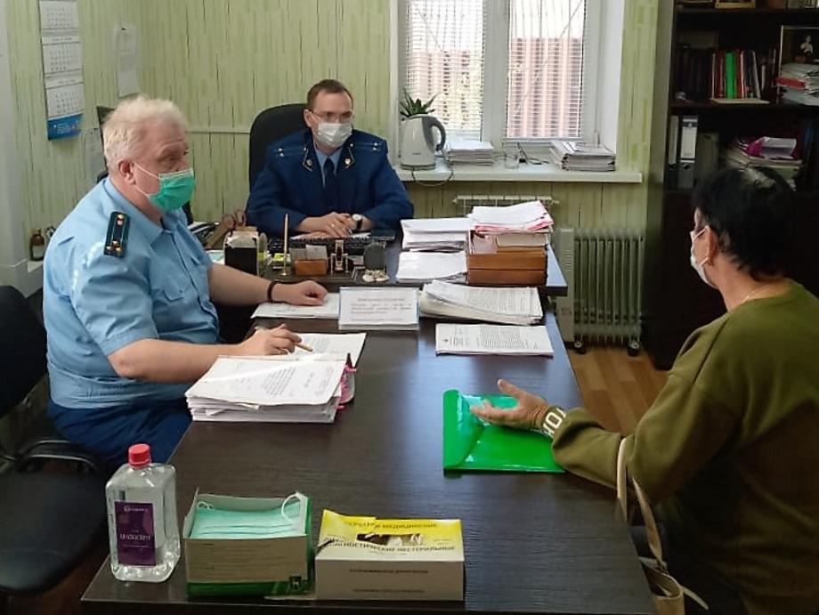 В поселке Навля Брянской области 14 сентября работала Мобильная приемная прокуратуры