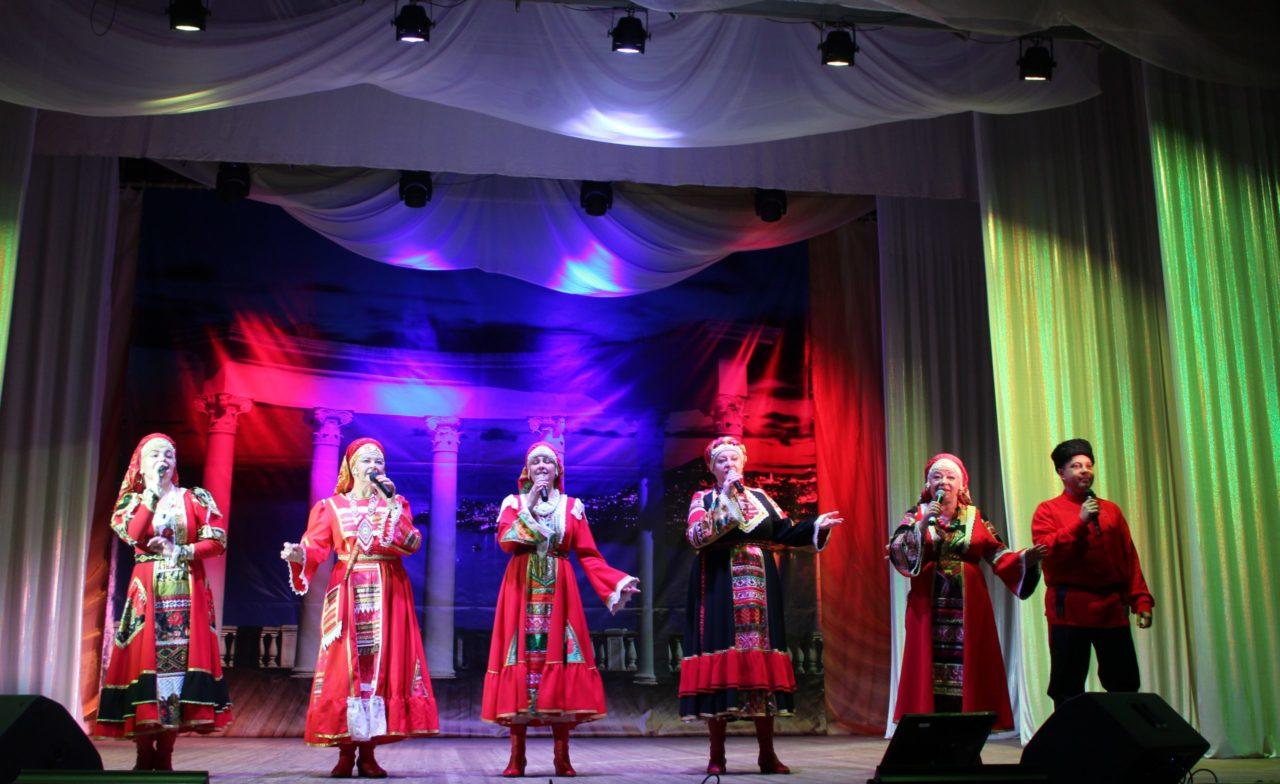В Брянске во всех Домах и Дворцах культуры состоялись праздничные концерты
