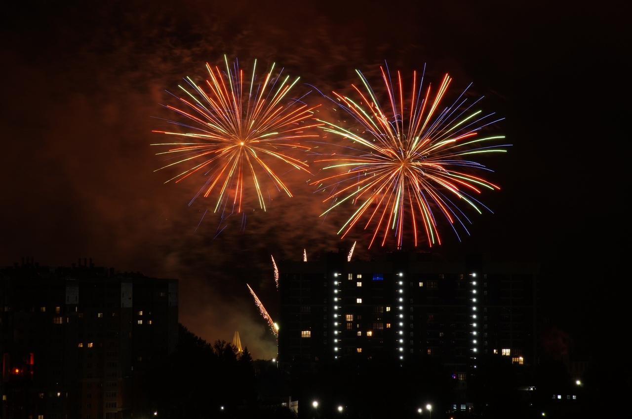 Празднование Дня города в Брянске вчера завершилось праздничным салютом