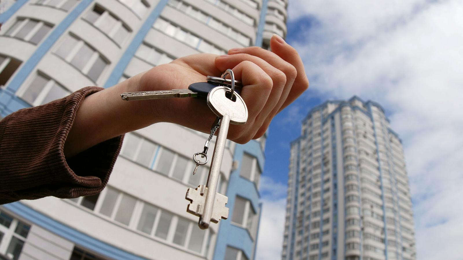 Врачам Брянского района купили 19 служебных квартир за 33,3 млн рублей