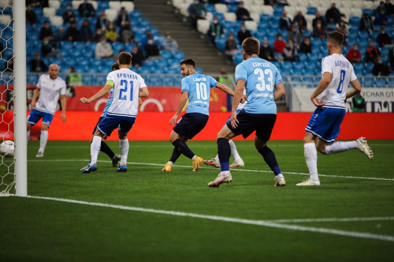 Тульский «Арсенал» разгромил «Динамо» на стадионе в Брянске