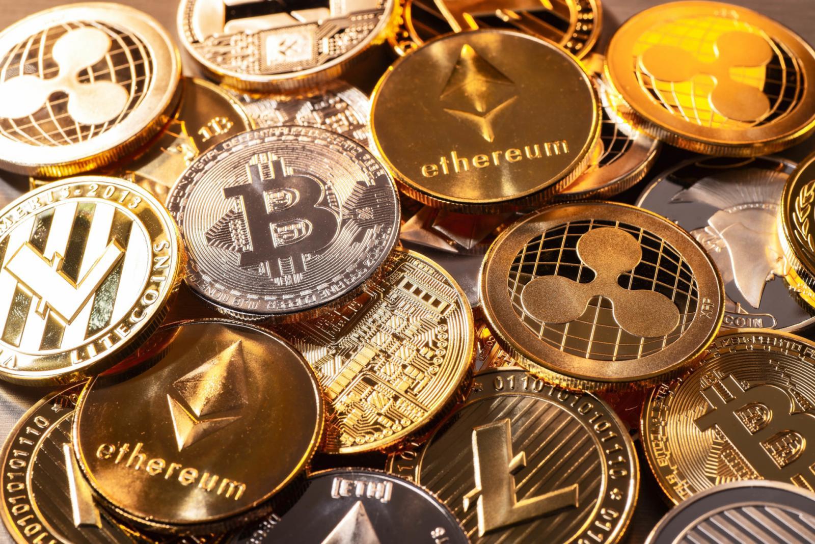 В Брянске несовершеннолетний отдал мошенникам 50000 рублей за криптовалюту