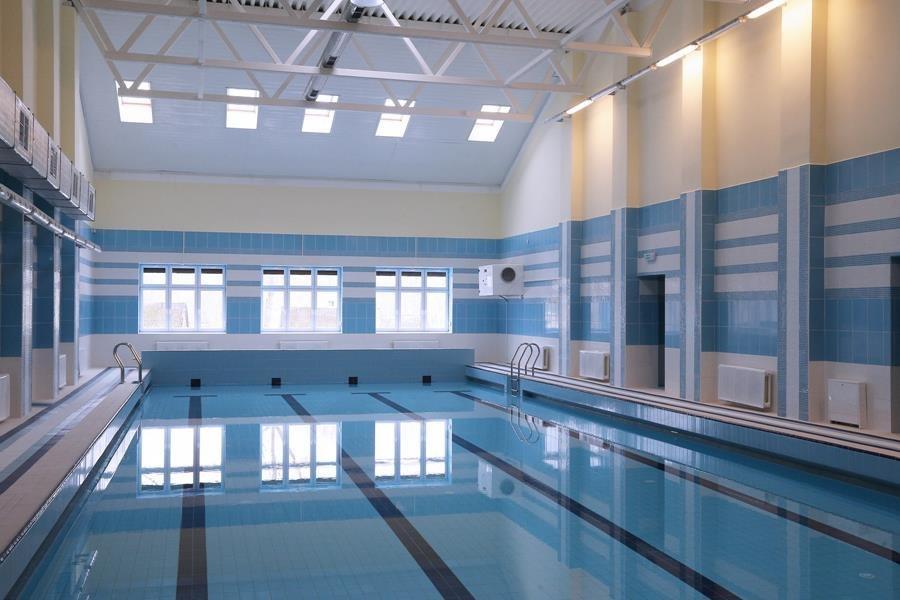В школе №66 в Бежицком районе отремонтировали бассейн за 8 миллионов рублей