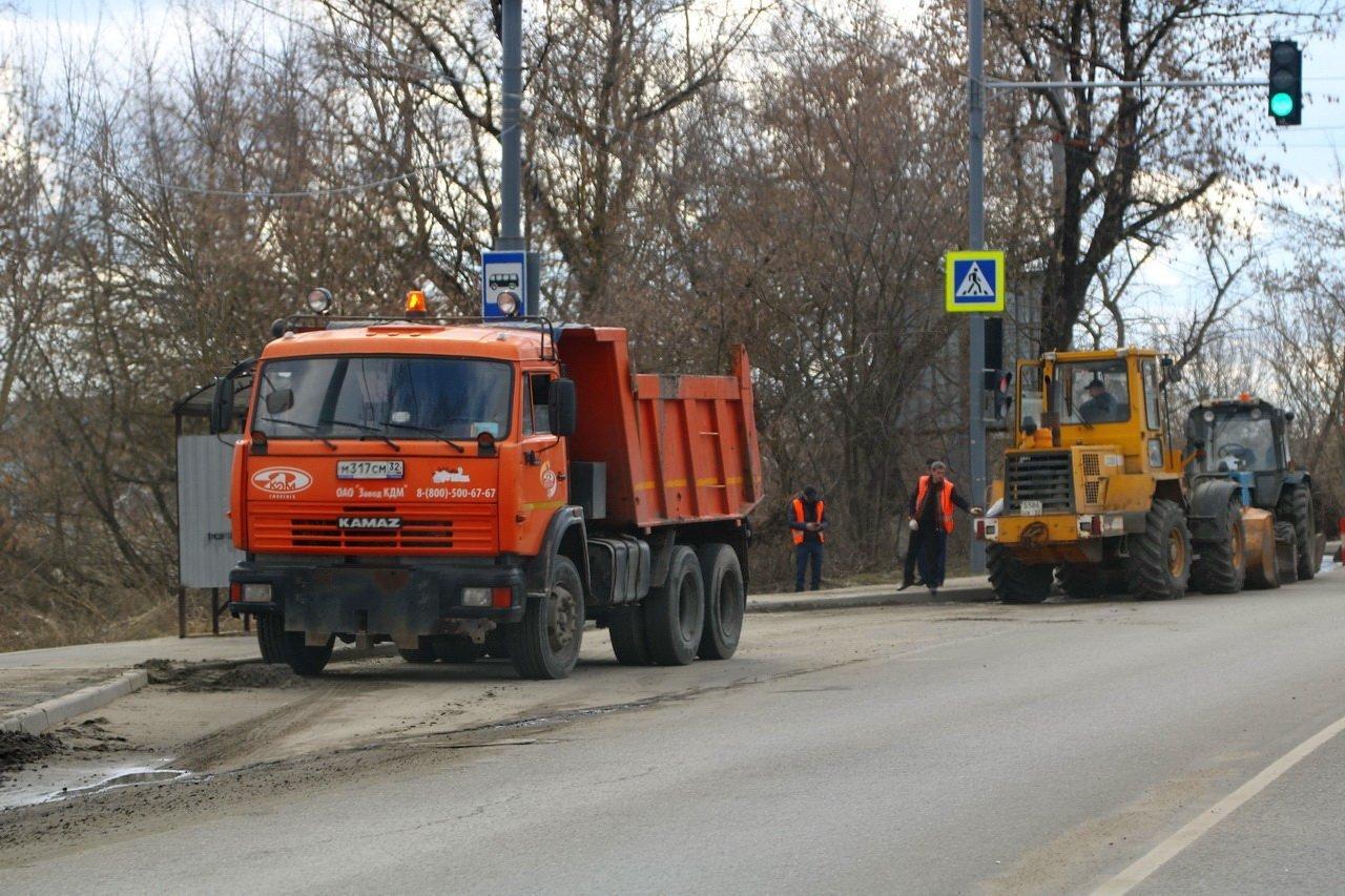 Дорожные службы Брянска подготавливают к зиме 31 тысячу тонн песчано-соляной смеси