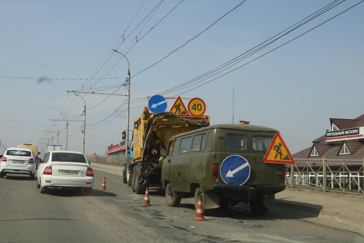 В Брянске за 160 млн рублей дополнительно отремонтируют еще 12 дорог
