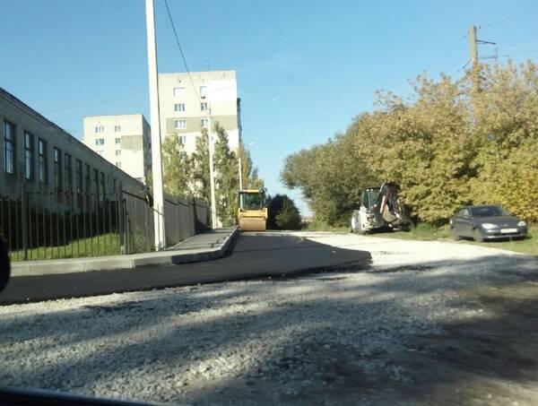 В Брянске приступили к асфальтированию улицы Желябова