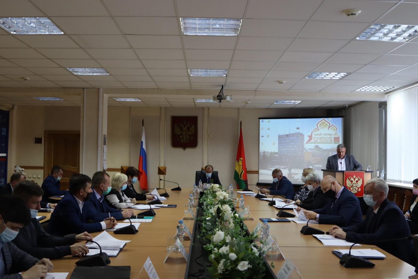 В 2021 году более 50 млн рублей потратили на обновление наружного освещения в Брянске
