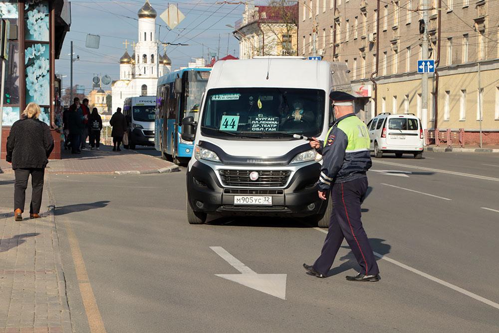 В Брянске выписали протоколы за нарушение масочного режима