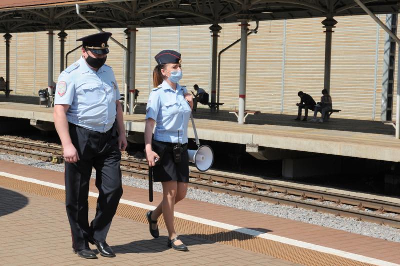 В Брянске вынесут приговор проломившему забор у железной дороги 31-летнему вандалу