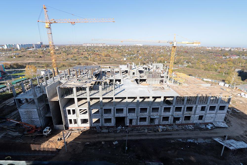 Новую школу в 4-м микрорайоне Брянска за 705 млн рублей откроют в 2022 году