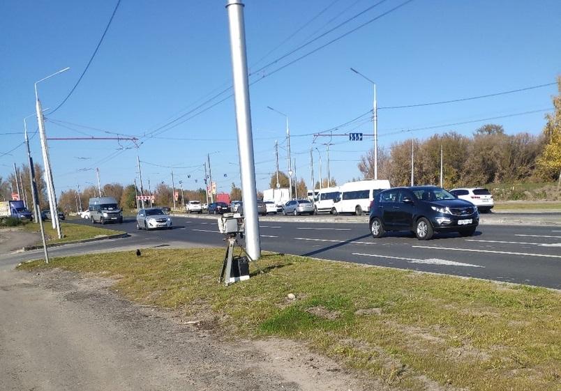 В Брянске перед кольцом возле «Аэропарка» установили дорожную камеру