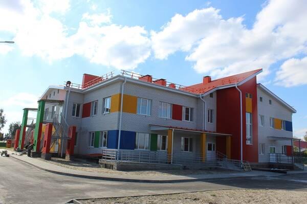В поселке Суземка Брянской области завершается строительство детского сада