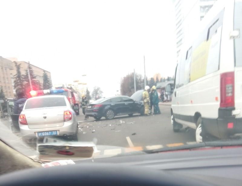 В Брянске произошло серьезное ДТП у цирка