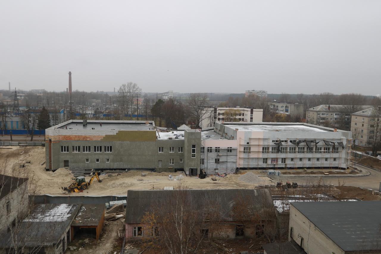 В Бежицком районе Брянска продолжается строительство бассейна