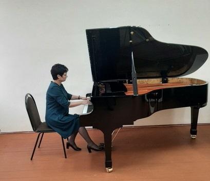 В детской школе искусств № 2 им. П.И. Чайковского в Брянске появился новый рояль