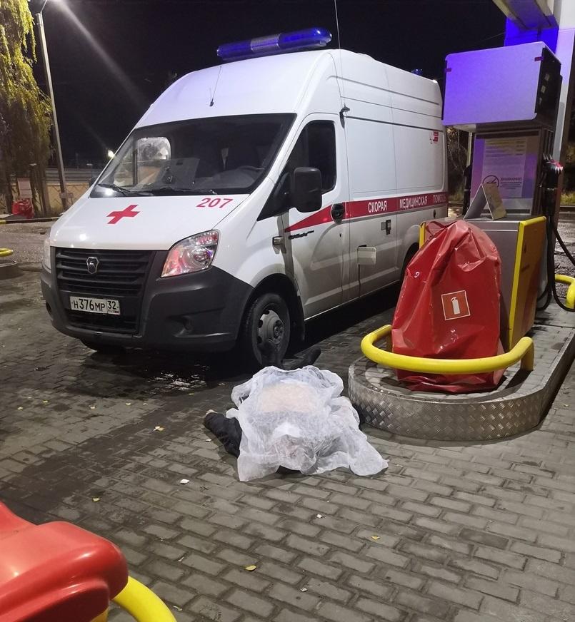 В Брянске водитель скорой помощи скончался на заправке