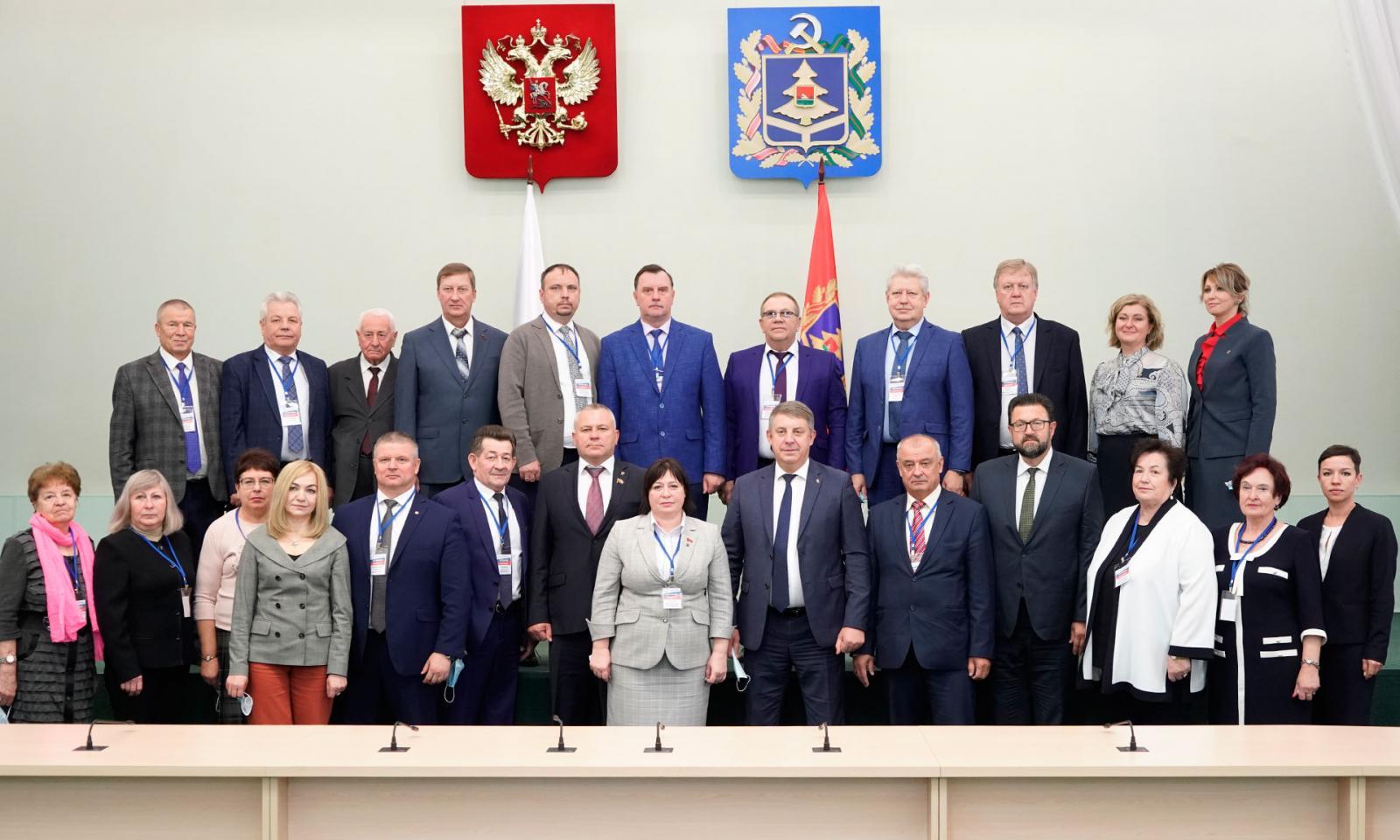 В Брянске состоялось заседание Совета Ассоциации территориальных объединений профсоюзов ЦФО
