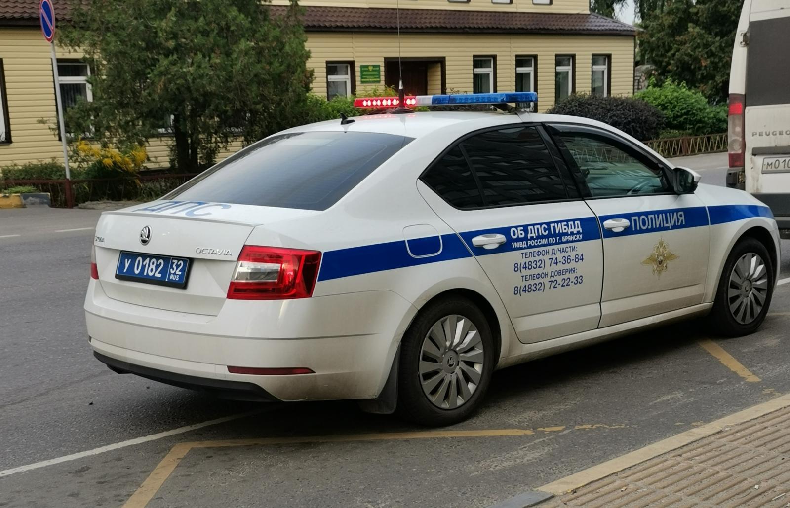 В Брянске возле ТРЦ «Аэропарк» пострадал 24-летний виновник ДТП