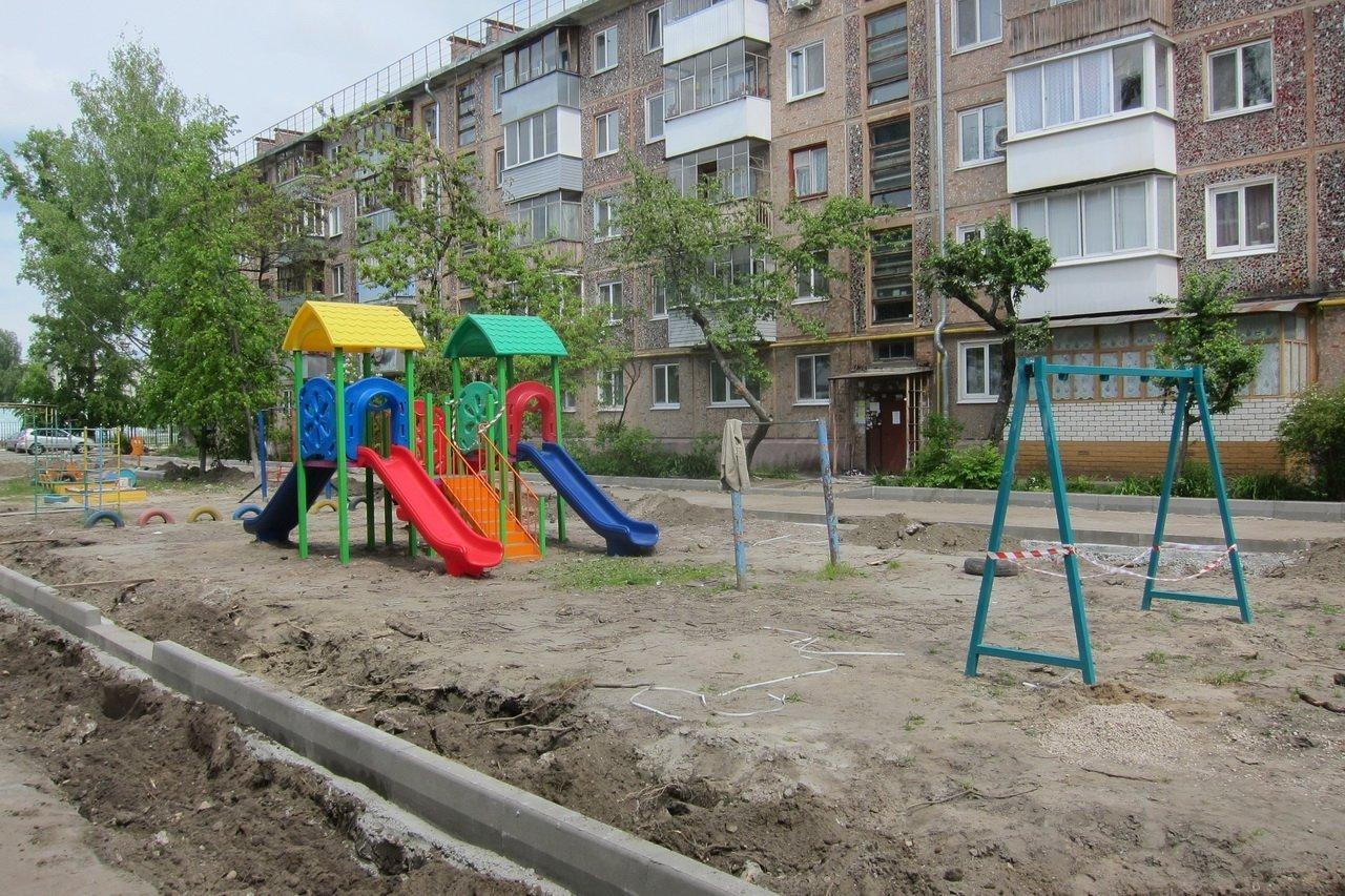 В Жуковке прокуратура обнаружила опасные детские игровые площадки