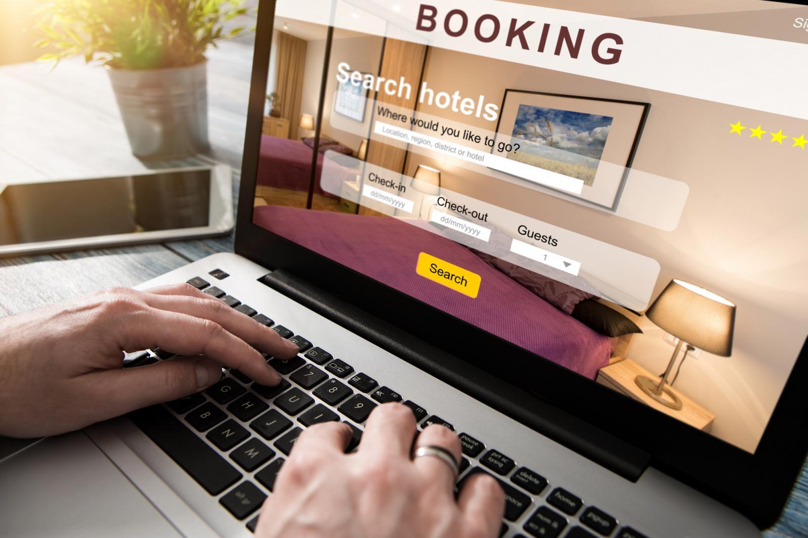 Мошенники в отелях заработали на пяти брянцах 192 тысячи рублей