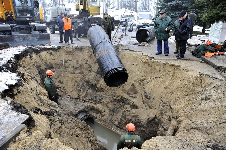 Большую часть коллектора на улице Набережной в Брянске отремонтируют к концу года