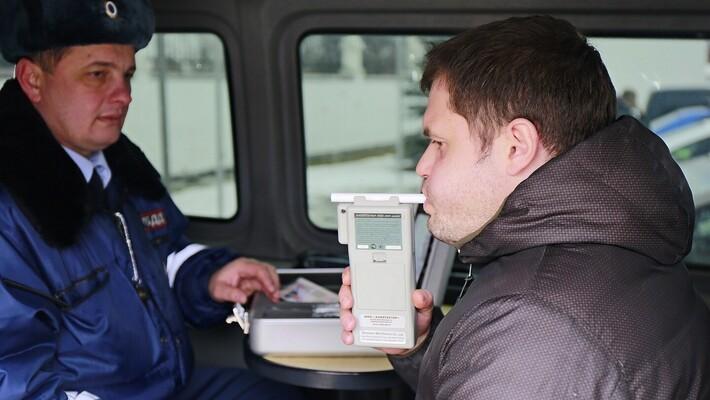 Брянские автоинспекторы призывают граждан сообщать о пьяных за рулем
