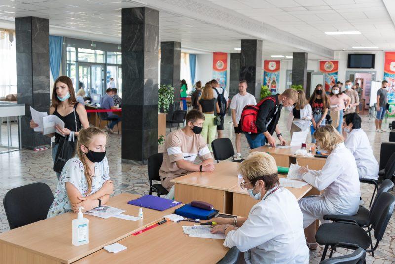 Более 200 брянских абитуриентов поступят в медвузы по целевому набору