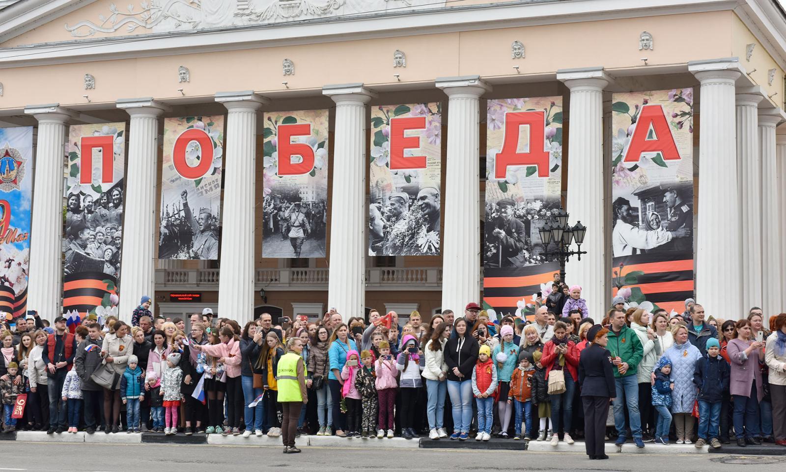 Глава города и мэр Брянска поздравили жителей области с Днем Победы