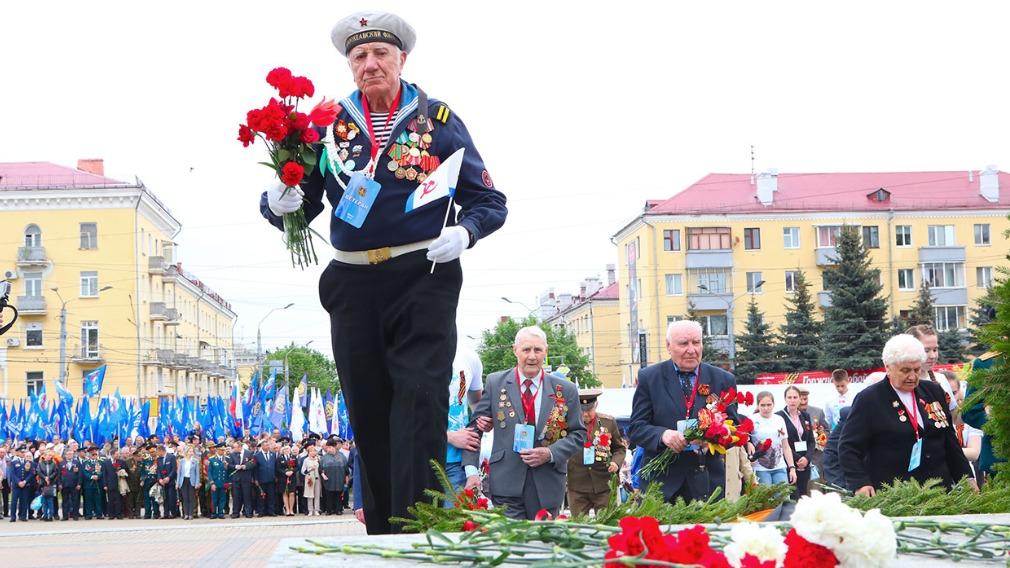 Более 1600 жителей Брянской области родились в День Победы