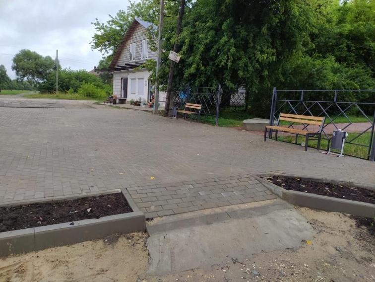 В поселке Бытошь Дятьковского района благоустроили пешеходную зону