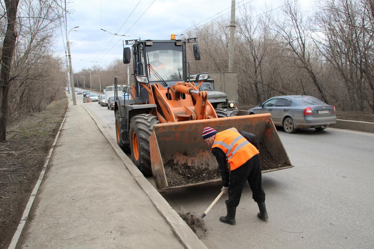 С брянских улиц вывезли более 36 000 тонн песка