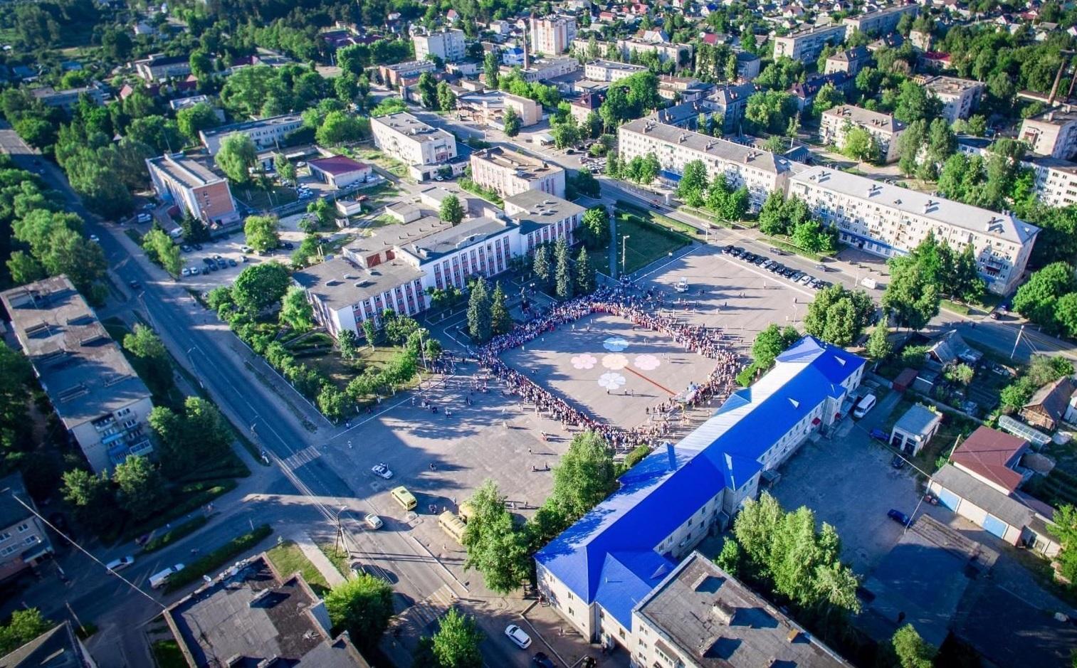 5 общественных 10 дворовых территорий благоустроили в Унече за четыре года