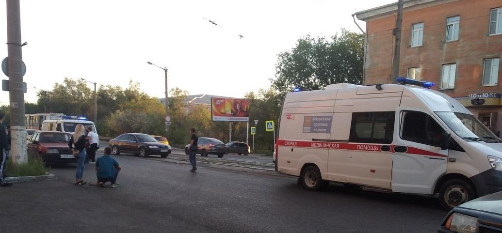 В Брянске машина сбила мальчика на пешеходном переходе на Горбатова